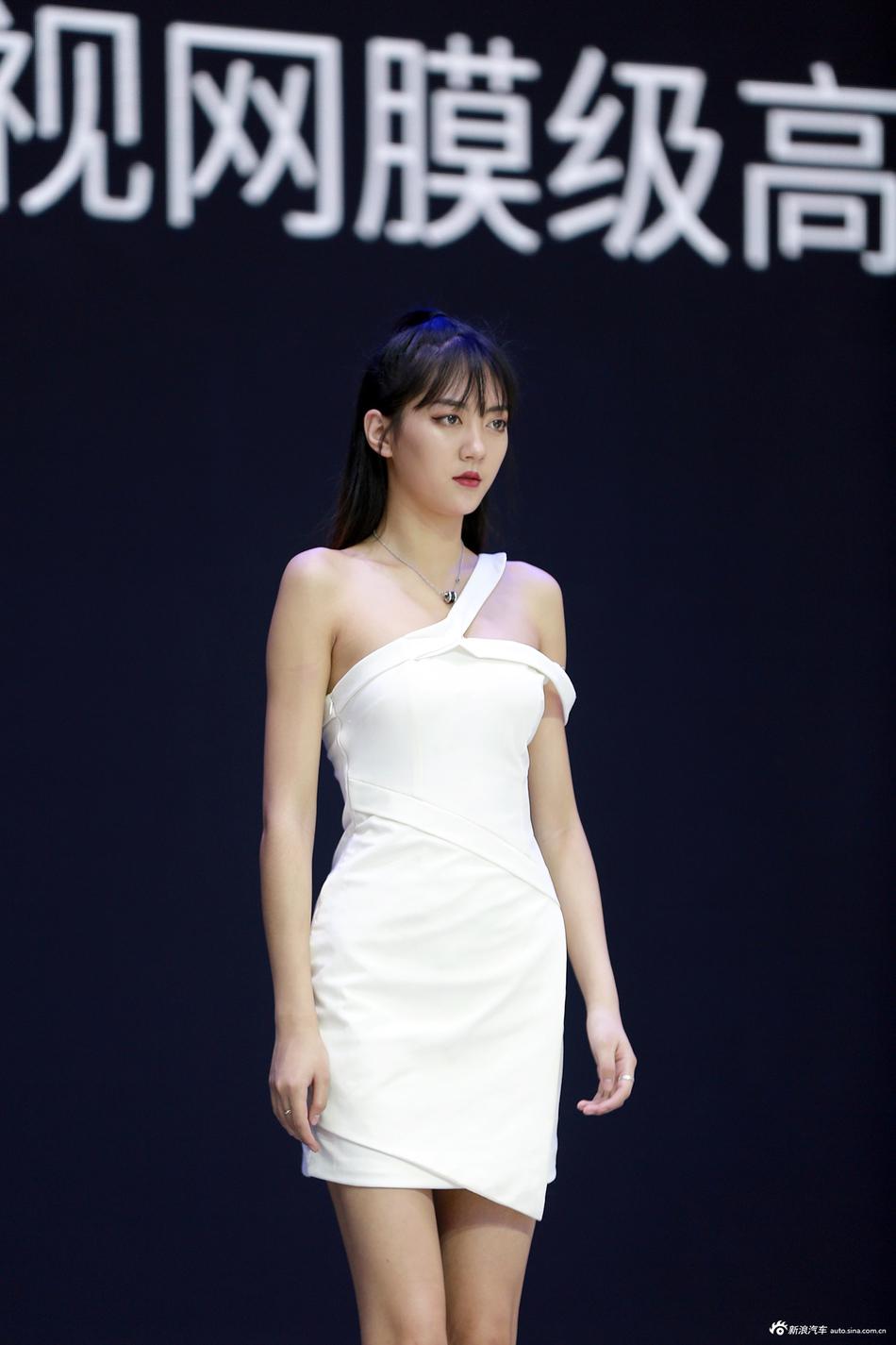 2018广州车展新车一网打尽 美女车模应有尽有