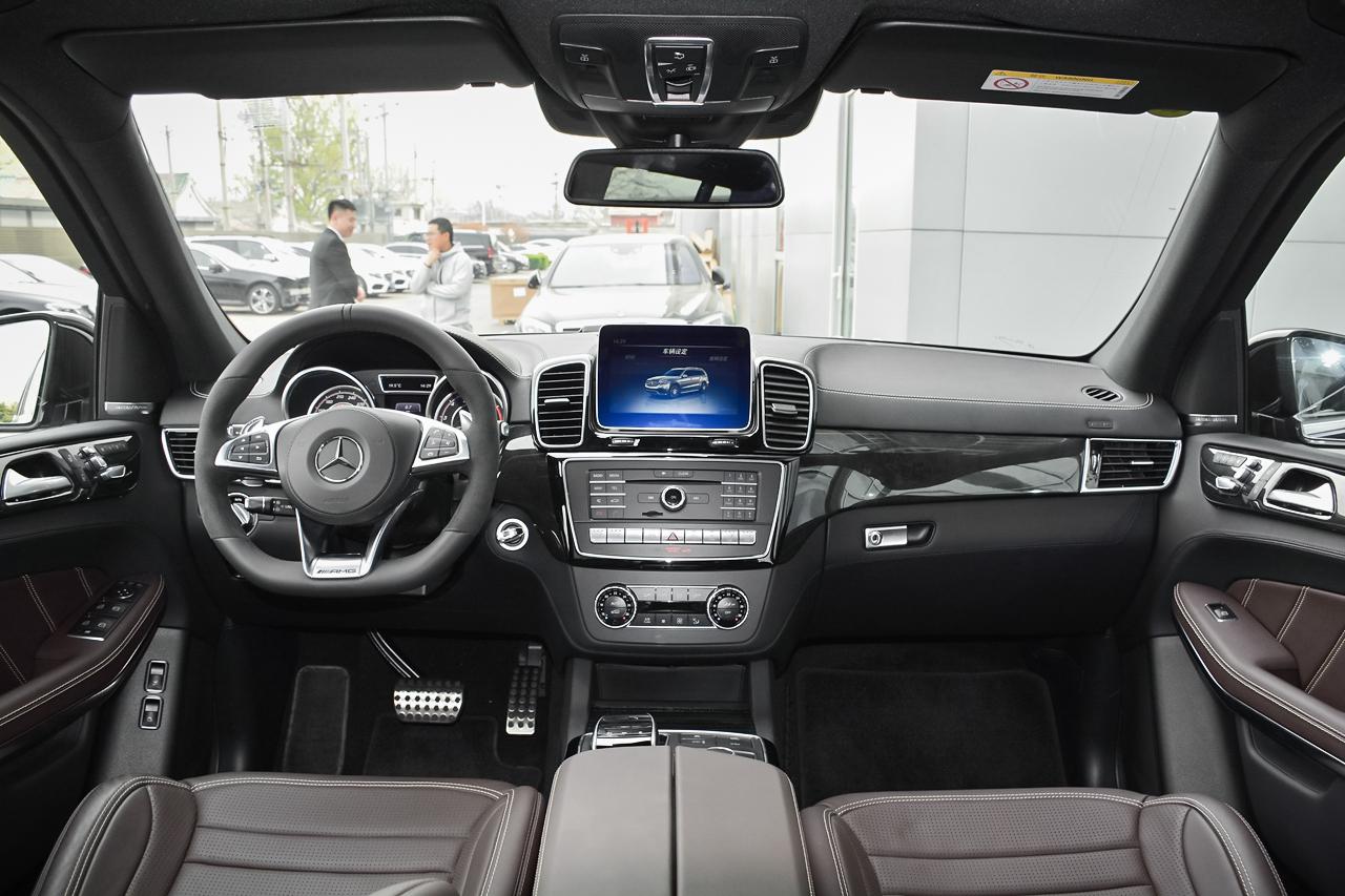 实拍 7座SUV中的野兽 奔驰AMG GLS63