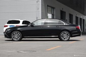 2018款奔驰E级改款2.0T自动 300L 时尚型