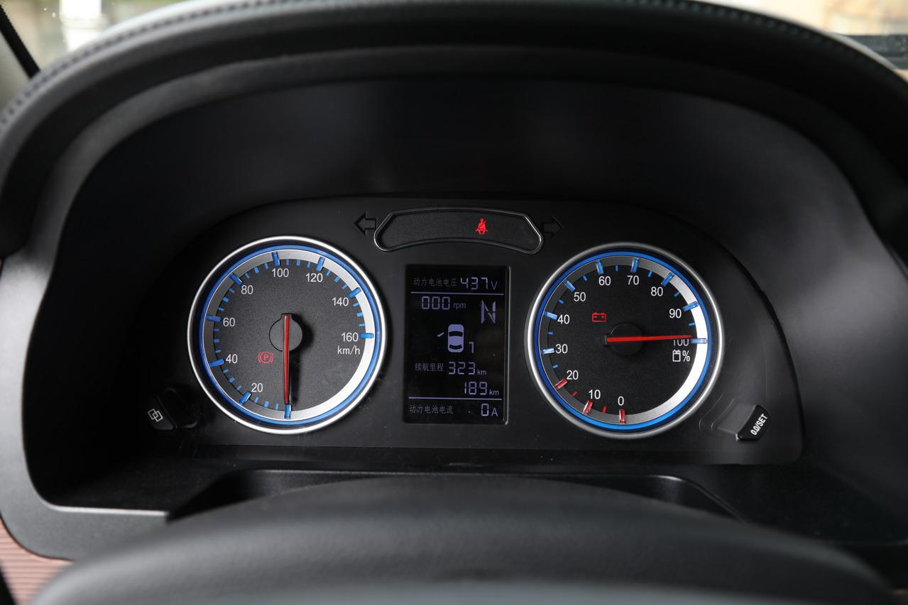 2019款菱智M5EV 豪华型