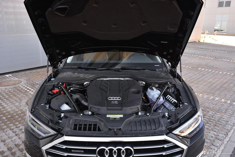 2018款奥迪A8L 3.0T自动55 TFSI quattro尊贵型