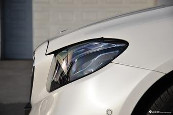 2017款奔驰E级2.0T自动 200 L 运动型 4MATIC