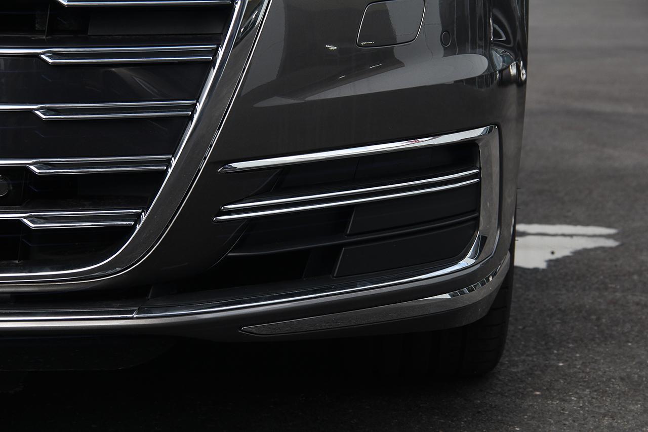 2018款奥迪A8L 3.0T自动55 TFSI quattro豪华型