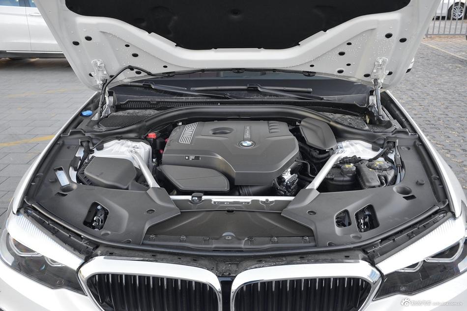 2019款宝马5系2.0T自动530Li 尊享型M运动套装