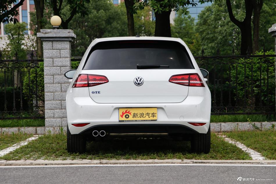 大众高尔夫新能源够狠,这车最高直降3.68万,买竞品的都后悔了!