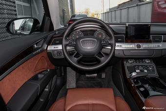 2016款奥迪A8L 3.0T自动45TFSI quattro舒适型