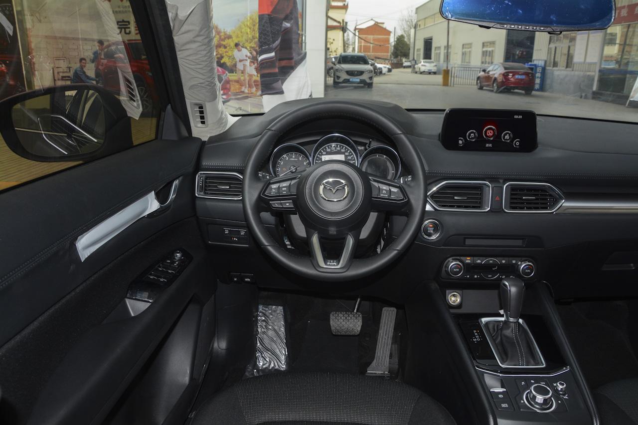 2017款马自达CX-5 2.0L自动两驱智尚型