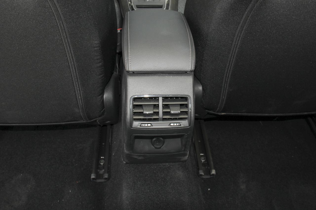 2018款东风标致408改款1.8L自动豪华版
