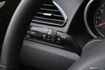 2018款奔腾B70 1.8T自动轿跑版互联智享型