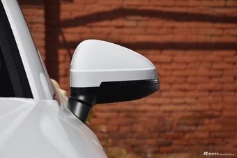 2017款奥迪A4L Plus 2.0T自动40TFSI时尚型