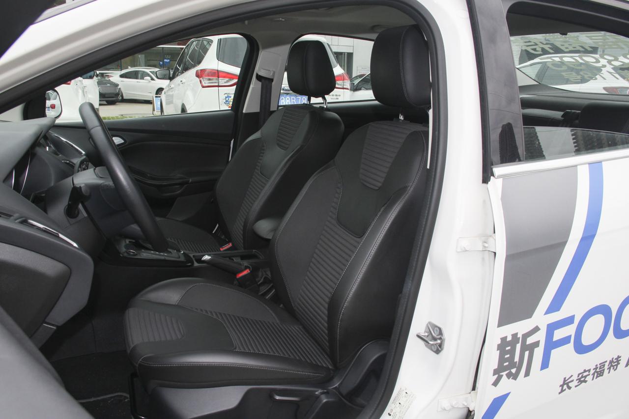 2018款福克斯三厢1.5T自动精英型EcoBoost 180