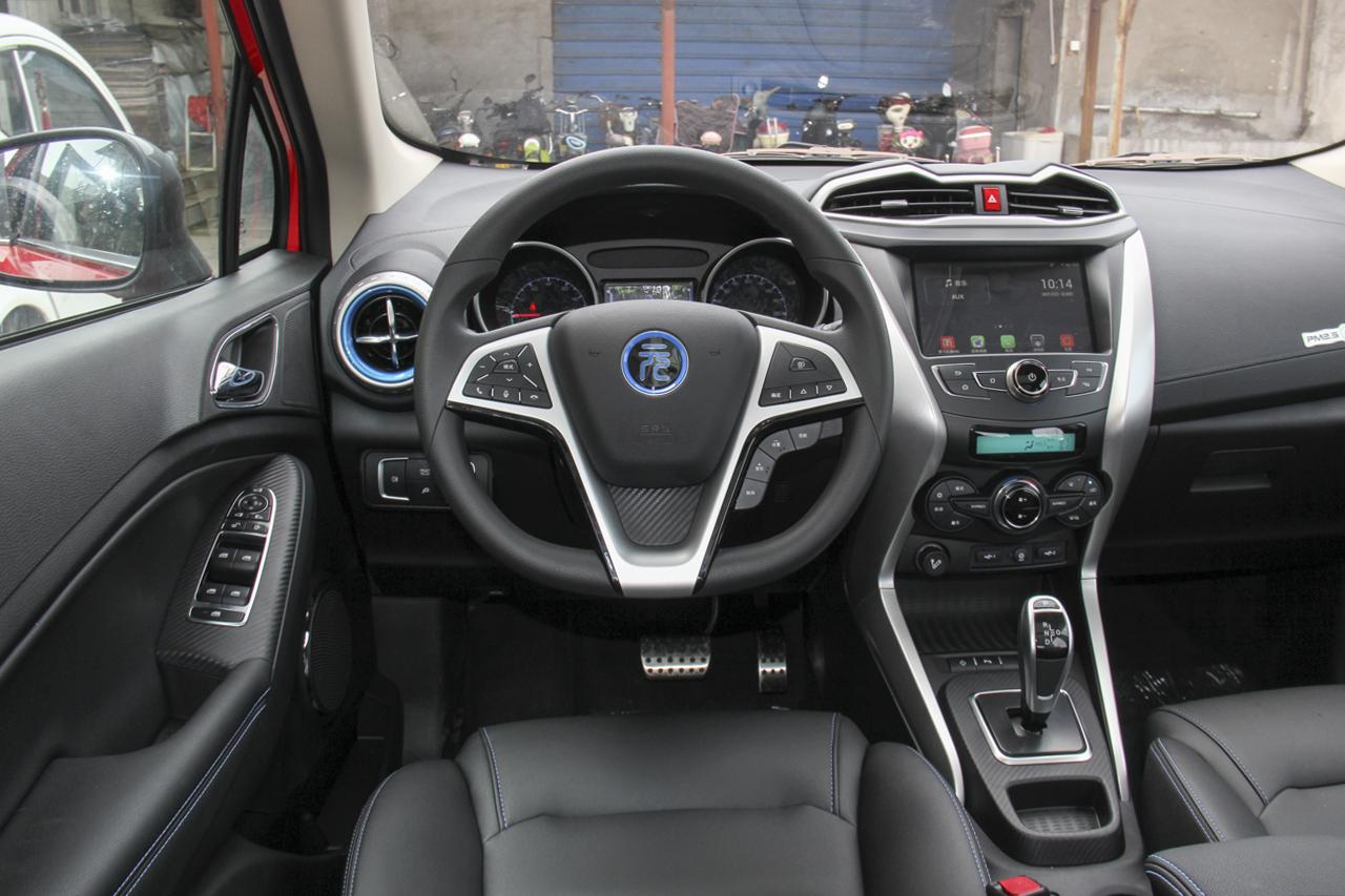 2018款比亚迪元EV360 智联炫酷型
