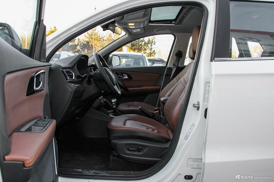 2017款森雅R7 1.6L自动尊贵型