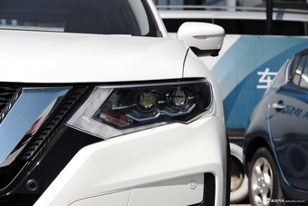 2017款奇骏2.5L自动CVT至尊版 4WD