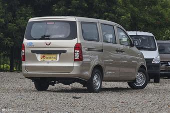 2012款五菱荣光1.5L加长标准型