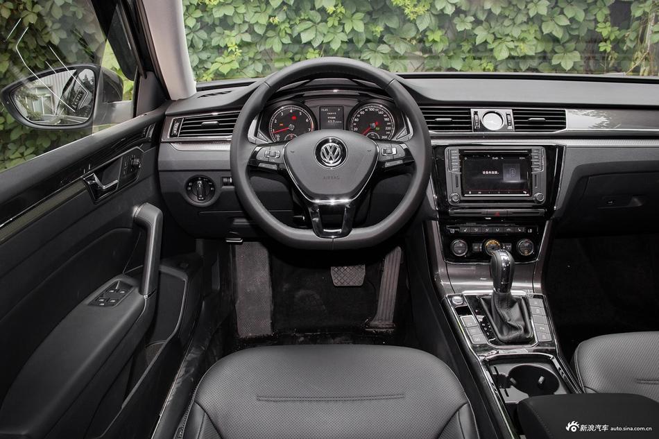 11月新浪报价 大众帕萨特新车15.51万起