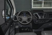 2017款新全顺 2.0T自动汽油多功能商用车短轴低顶