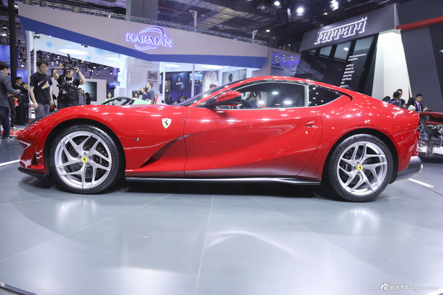 法拉利812 Superfast