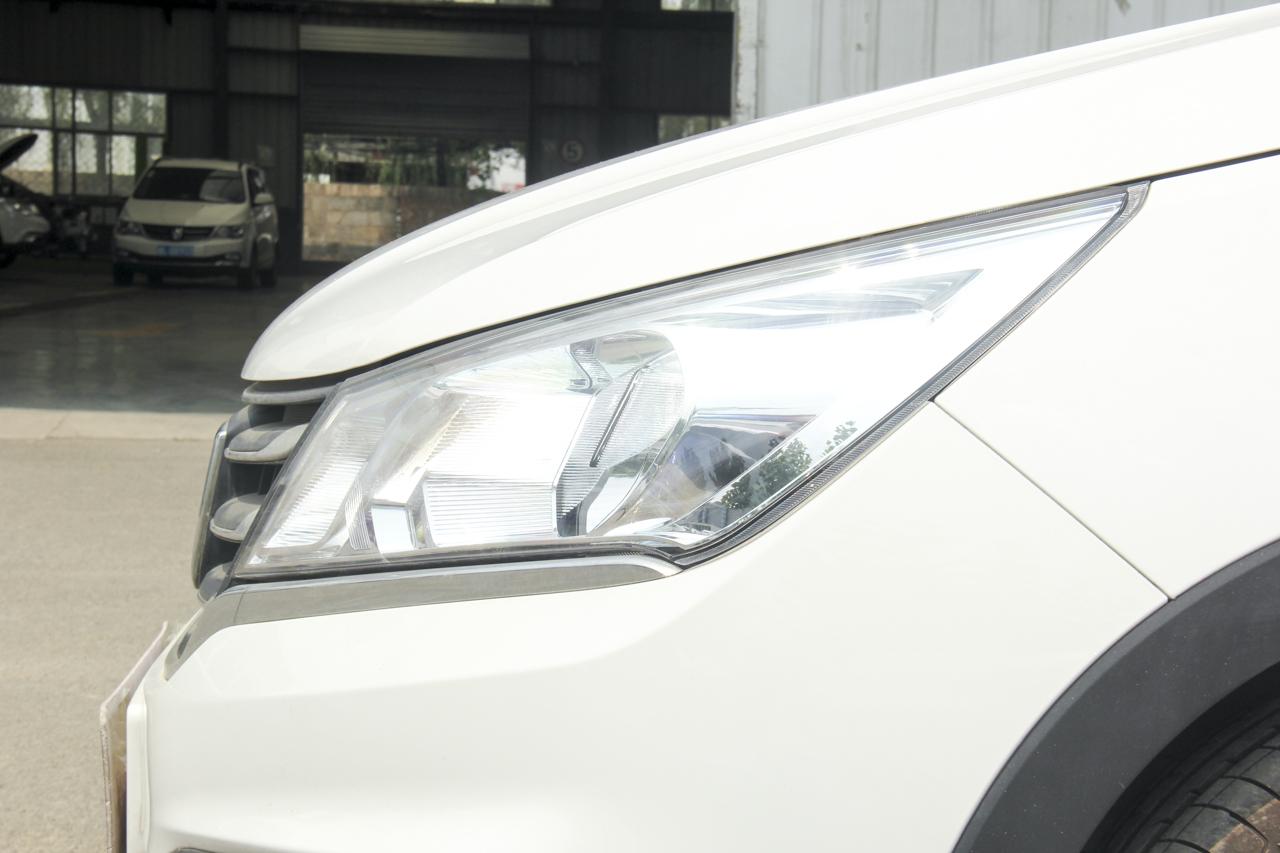 2017款宝骏310 1.5L手动舒适型