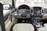 2016款帕杰罗V97 3.8L V6 GLS中东版