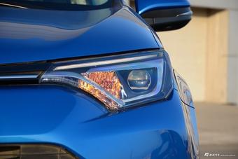 2016款RAV4荣放 2.5L自动四驱尊贵版