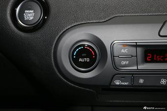 2018款索兰托L 2.0T自动四驱柴油都市版7座