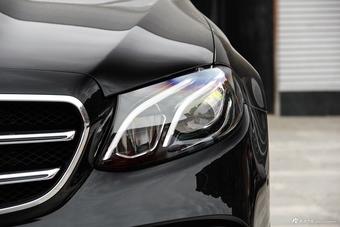 2017款奔驰E级2.0T自动 300运动型