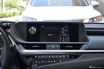 2018款雷克萨斯ES 2.0L自动200豪华版