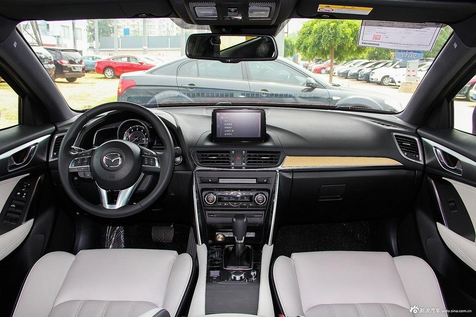 2016款马自达CX-4 2.5L自动四驱蓝天无畏版