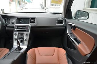2017款沃尔沃V60 2.0T T5自动 智雅型