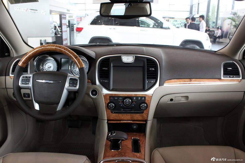 2013款克莱斯勒300C到店实拍