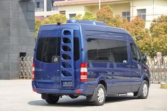 2013款中欧尊逸B型汽油版