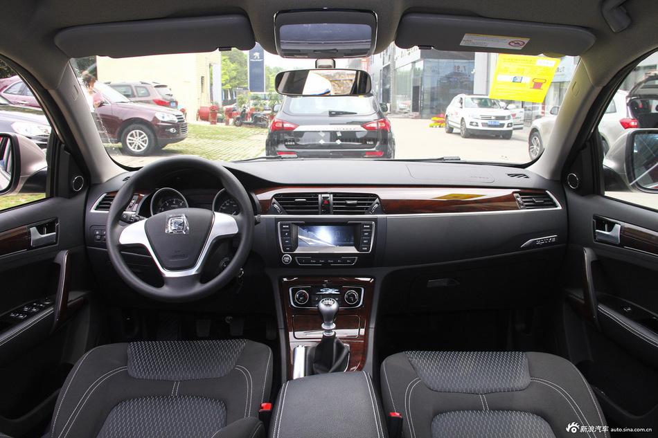 2015款众泰T600 1.5T手动精英型