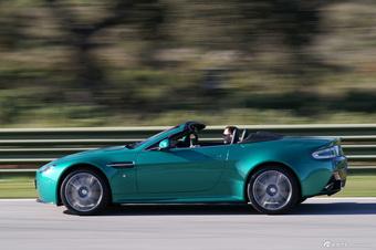 阿斯顿 马丁V8 Vantage S 官方图