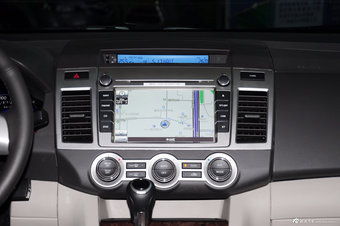 2013款马自达8 2.5L自动尊贵版