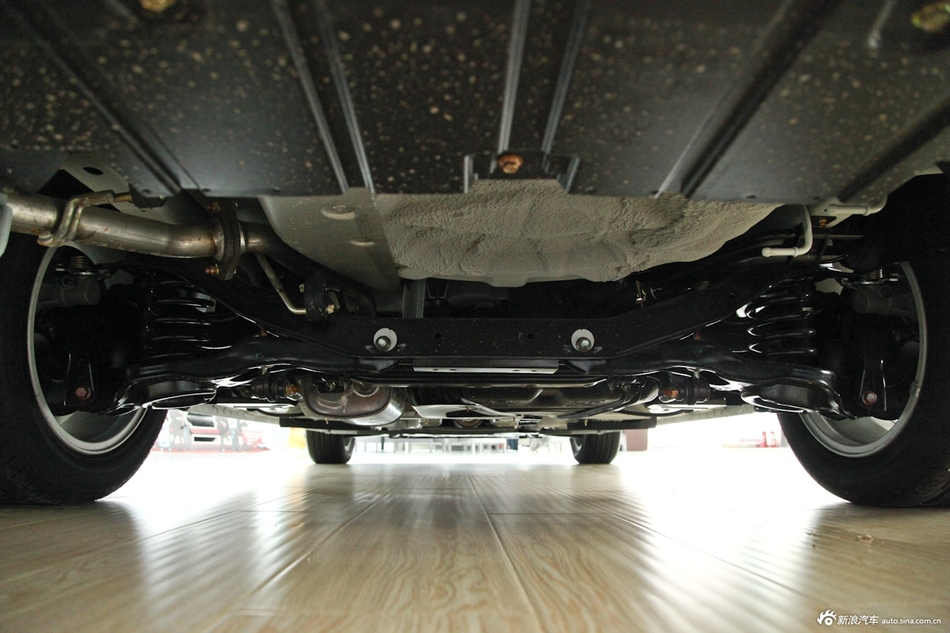 2014款福美来M5 1.6L自动舒适型