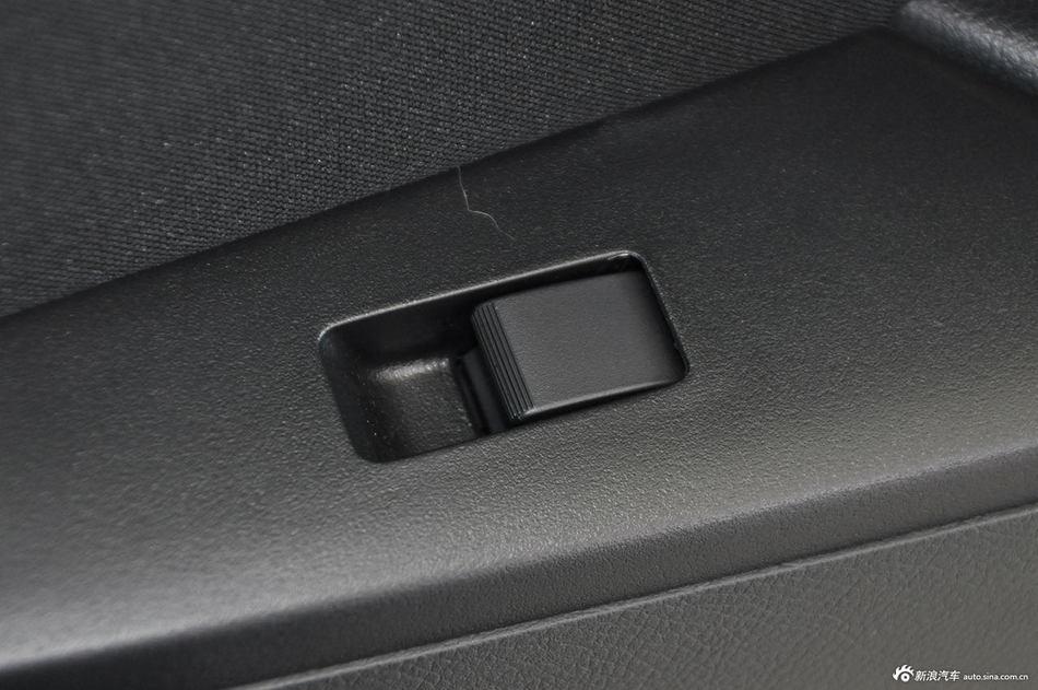 2012款马自达3星骋两厢2.0L手动运动型