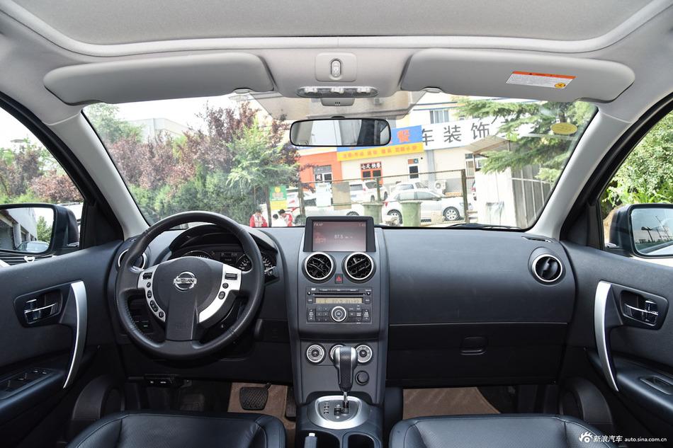 2015款逍客2.0L两驱CVT XV酷雷