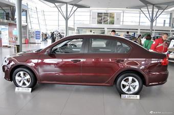2013款朗逸1.6L自动风尚版 锐意红