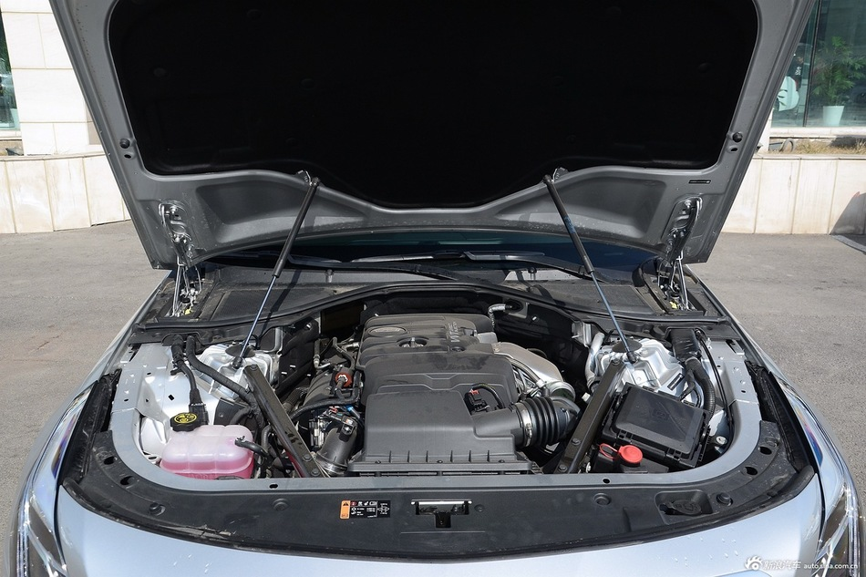 2016款凯迪拉克CT6 2.0T自动28T领先型