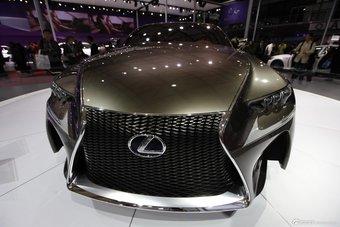 雷克萨斯LF-CC概念车