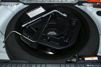 2014款雷克萨斯CT 1.8L自动200h F-Sport单色