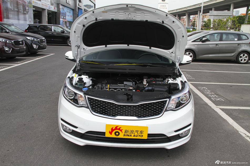 2015款起亚K2 1.6L自动Premium三厢