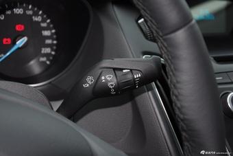 2015款福克斯三厢1.0L GTDi手动超能风尚型