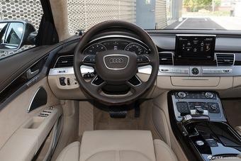 2014款奥迪A8L W12旗舰 版