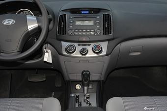 2015款悦动1.6L自动舒适型