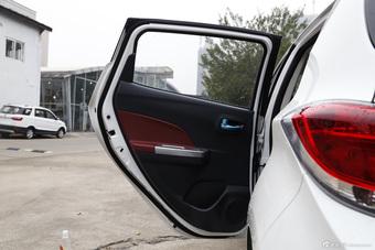 2015款奔奔1.4L手动豪华型国5