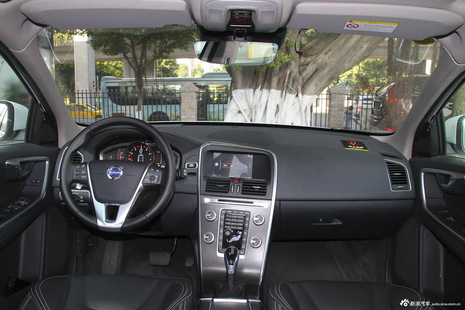 2015款沃尔沃XC60 2.0T T5 AWD智驭版