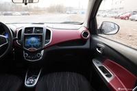2014款奔奔1.4L自动尊贵天窗型