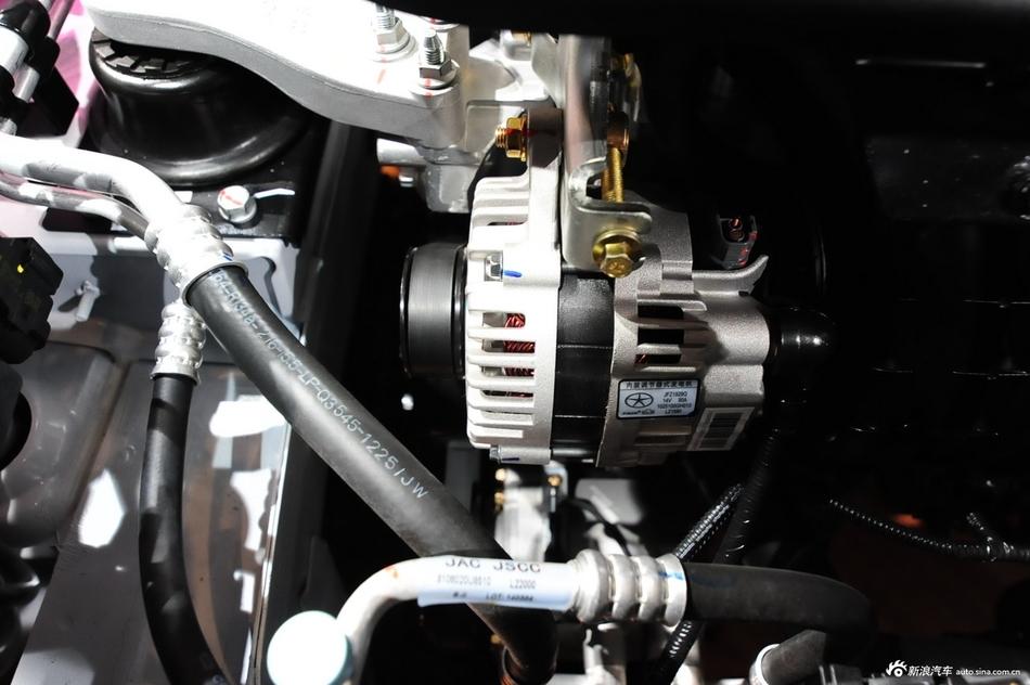 2013款和悦A30 1.5L CVT尊贵型